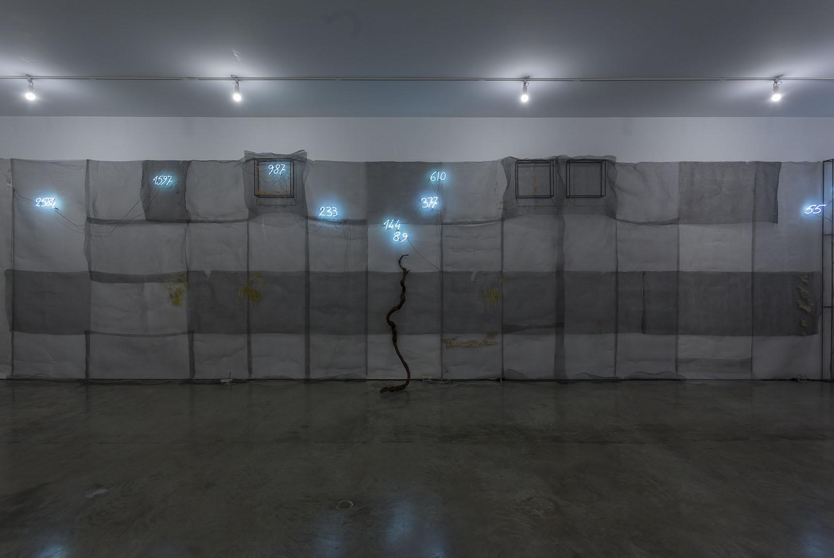Mario Merz, Installation view