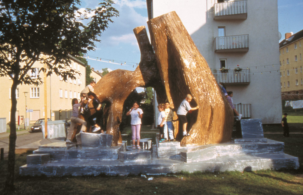 Thomas Hirschhorn, Bataille Monument