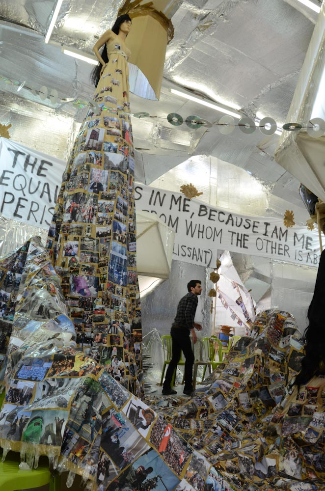 Thomas Hirschhorn, Crystal of Resistance